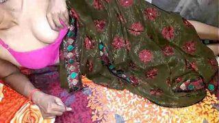 New Sex Videos In India – Sexy Bhabhi fucked in saree